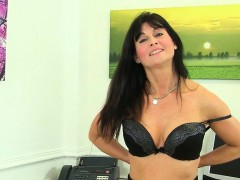 office-milfs-lelani-and-raven-from-the-uk