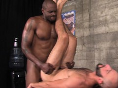 buff-black-masseur-jizzes