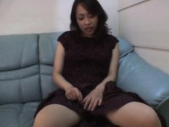 reiko-kano-strips-naked-and-finger-fucks-herself-hard-on-a-c