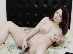 busty-sexy-babe-pleasure-herself-on-cam
