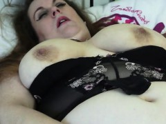 massive-mother-with-hungry-muffin-dominque-from-1fuckdatecom