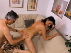 sextape-germany-busty-newbie-in-her-first-porn-shoot
