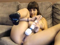 teen-girl-masturbates-with-vibrator