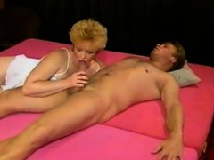 mature-80s-babe-bounces-up-and-dow-valeri-from-1fuckdatecom