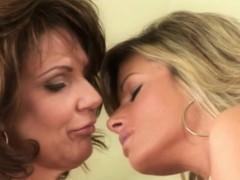 bigtit-lesbian-models-passionately-fingerfuck