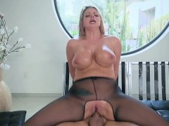 blonde-slut-brooklyn-chase-gets-fucked-and-facialized