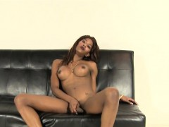 Solo Black Tranny Playing With Her Bbc