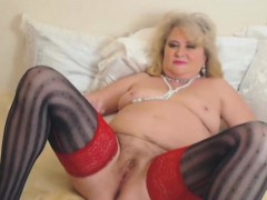 german-mature-is-a-multi-squirter