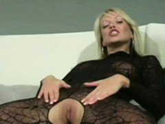 sexy-blonde-fingers-herself-in-lacey-pantyhose