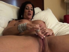 hot-italian-plays-with-her-hot-big-clit