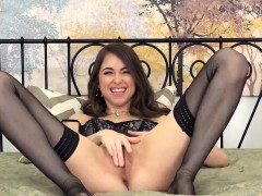 riley reid in stockings makes herself sperm with her toy