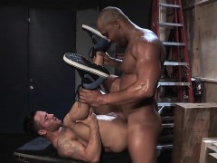 muscle-bear-anal-sex-and-facial-cum