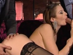 hard-double-penetration-fucking-with-the-slutty-blonde-model