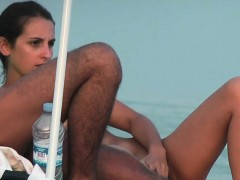 nudist-beach-voyeur-camera-hunting-for-naked-pussies