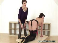 dominatrix-spanking-a-kinky-babe