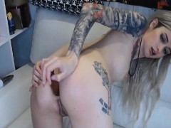 Gorgeous Babe Fingering and Toying Pussy