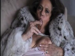 large granny solo WWW.ONSEXO.COM