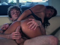 Young Brutal Fuck And Rough Bi Gina Valentina Is One Juicy T