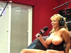 buxom-wife-amber-on-bubba-radio-shila-from-dates25com