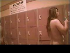 voyeur-japanese-teens-in-the-locker-room-part1