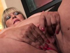 fat-british-grandma-masturbating-and-showing-off-skills