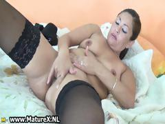 thick-mature-housewife-with-a-nice-part6