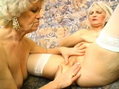 perfect body on this sweet mature blond granny WWW.ONSEXO.COM