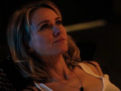 naomi-watts-and-sophie-cookson-gypsy-s01e07