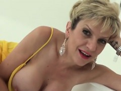 Unfaithful English Mature Lady Sonia Shows Her Huge Boobs