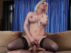Brazzers - Milfs Like It Big - Serving Up Gr