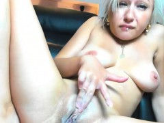 attractive-blonde-camgirl-makes-herself-squirt