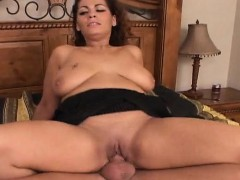 Chubby playgirl with big natural tits moans hard riding wang