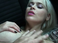 big-boobs-blonde-amateur-fucks-in-the-car