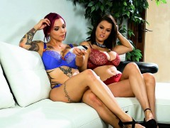 crushgirls – peta jensen playing with toy with her girlfrien