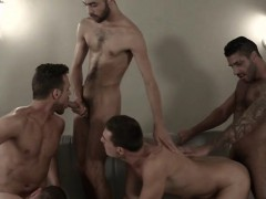 muscle-gay-sex-party-with-cumshot