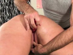 Bbw Gets A Massage And A Dildo Up Her Cunt
