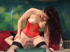 beauties are being very nasty WWW.ONSEXO.COM
