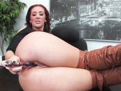 jayden jaymes is naughty in the office WWW.ONSEXO.COM