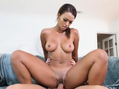 therealworkout-sexy-ebony-fitness-vlogger-makes-a-sex-tape