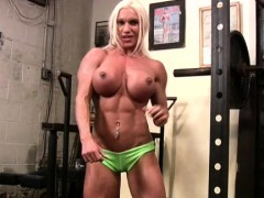Naked Female Bodybuilder Rubs Her Clit in Gym