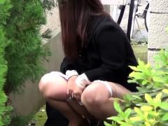 Japanese Cutie Pisses