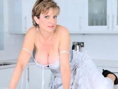 Unfaithful British Milf Gill Ellis Flashes Her Oversized Boo