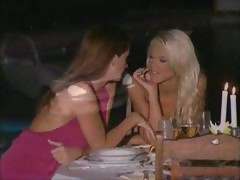 sexy-lesbian-kiss-kiss-kiss-sexy-lesbian