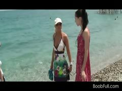 amateur-hot-girls-in-vacation-get-picked-up-for-sex