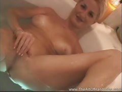 Bath Beauty handjob Honey