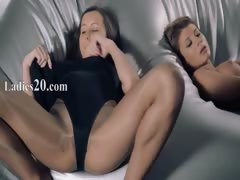 women-in-pantyhose-fucking-with-strap-on