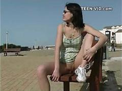brunette-teen-upskirt-no-panties