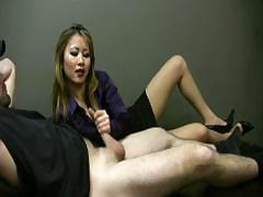 lucky-employee-gets-a-handjob-from-lady-boss
