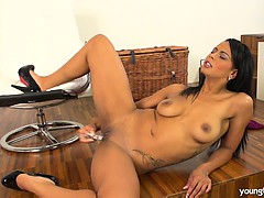 sexy young isabella fuck glass dildo