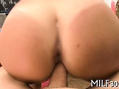 Секс по принуждению с чужой женой видео